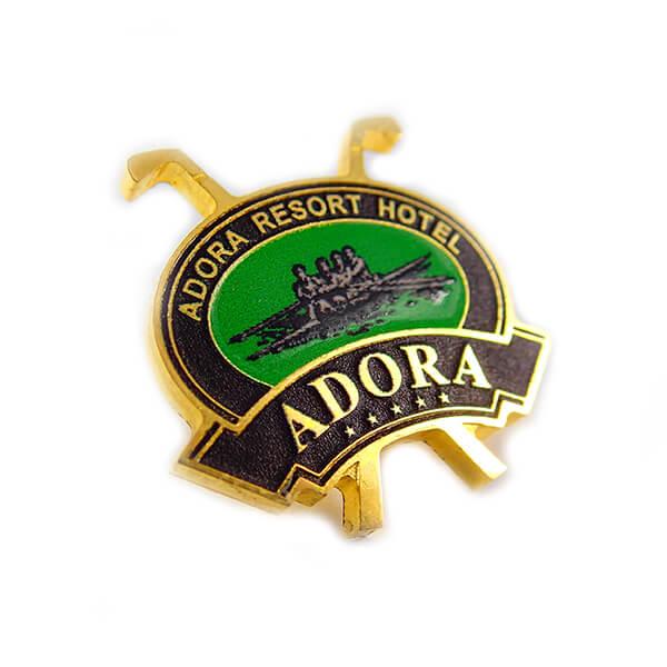Значек: ADORA, полноцветная покраска (впечатка изображения), глянцевый/матовый лак, полированная латунь