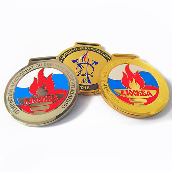 Комплект медалей металлических с широим ушком под ленту с полноцветной покраской   химическое травление 1 место - латунь, 2 - нейзильбер 3 - латунь с патиной