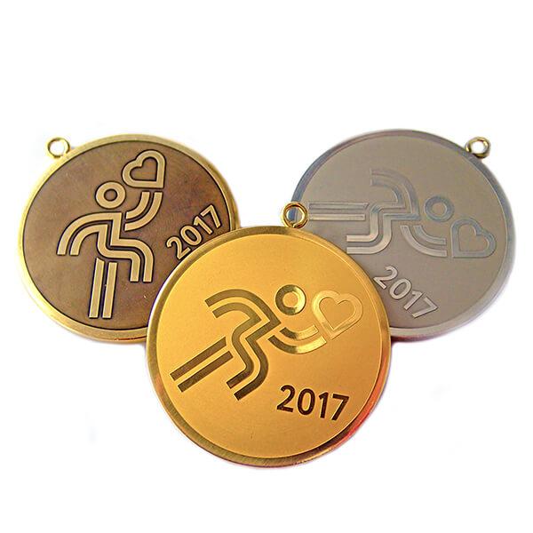 Комплект медалей металлических с врезным ушком химическое травление латунь